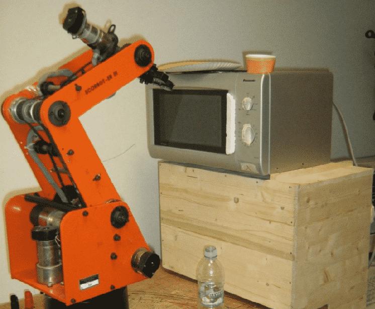 robot SCORBOT cucina
